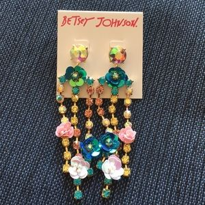NWT Betsey Johnson Flower & Rhinestone Earrings